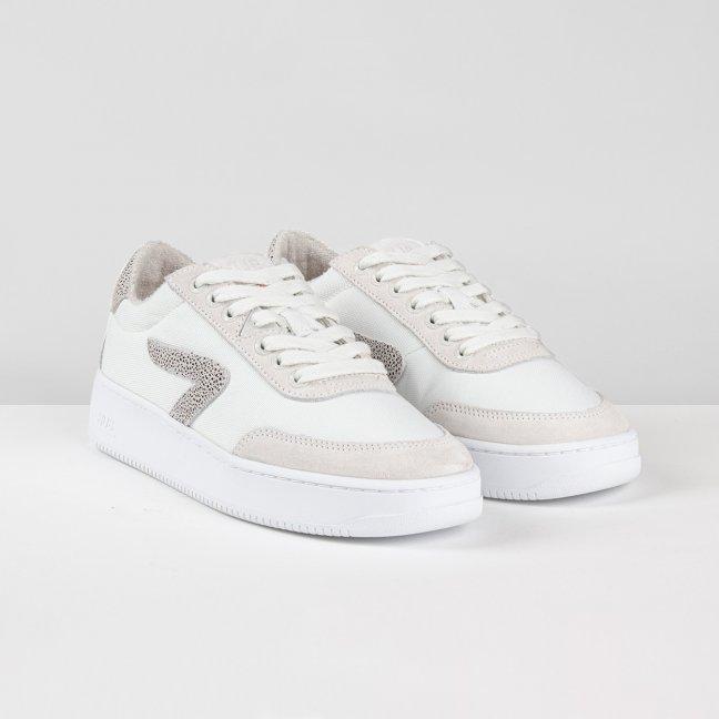Baseline White / Hasta / White