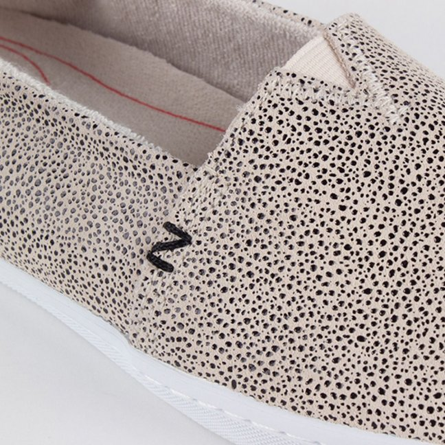 FUJI DOTTED LEATHER